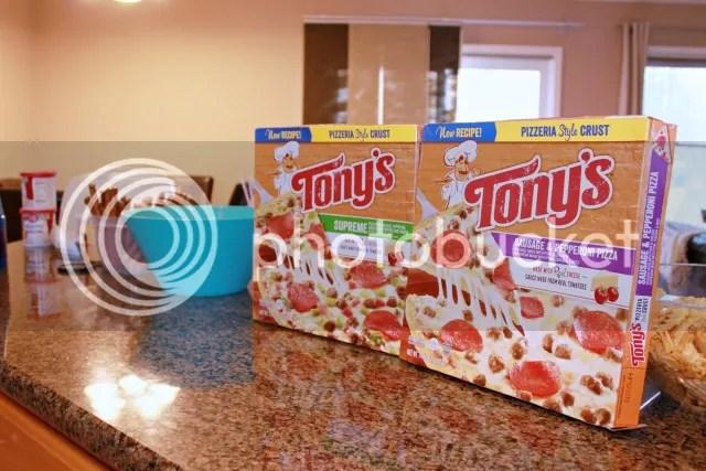 tony's pizza from walmart #tonyspizzeria #PMedia #ad