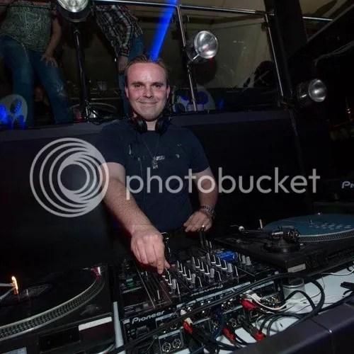 DJ A-TOM-X