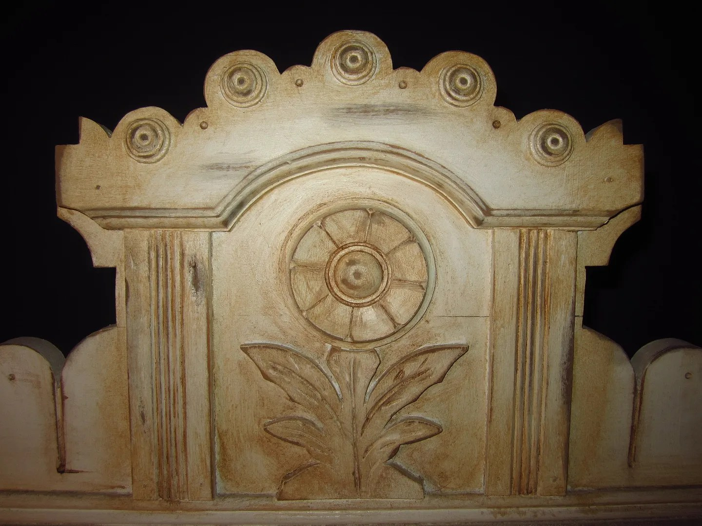 How to Distress Furniture with Homemade Glaze / HomeStagingBloomingtonIL