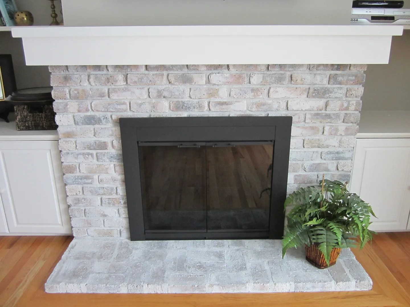 How to Whitewash a Fireplace / HomeStagingBloomingtonIL
