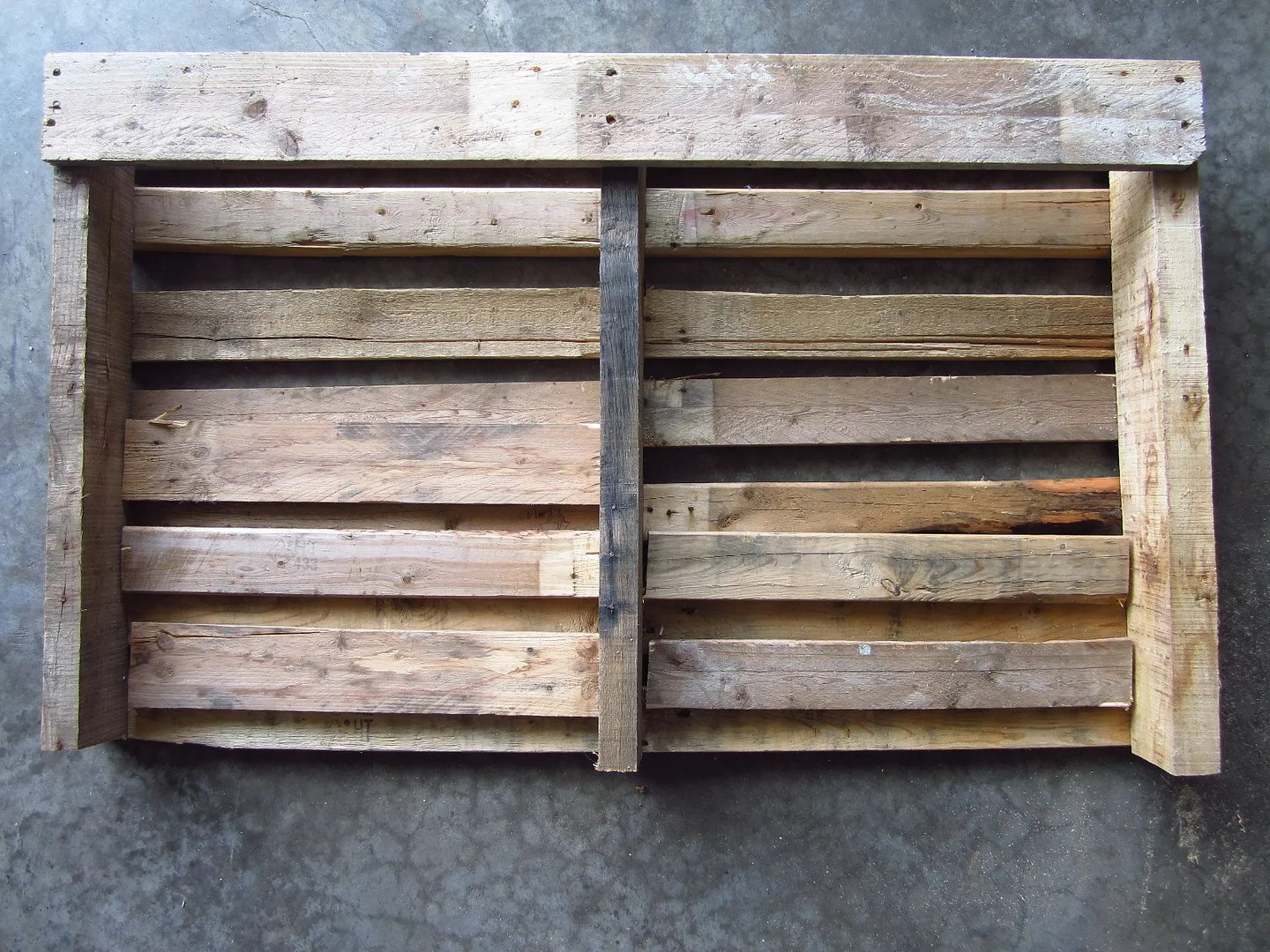 American Flag Pallet / HomeStagingBloomingtonIL