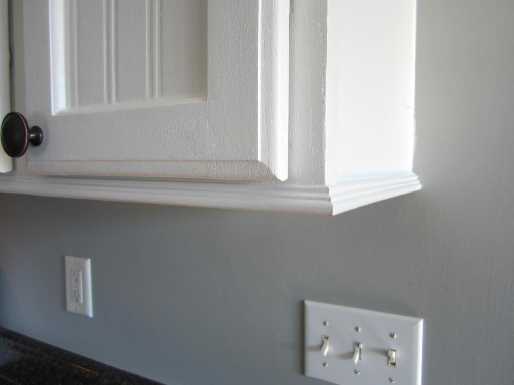 Trim For Cabinets Trim For Cabinets With No Room For Crown Molding Home Staging In