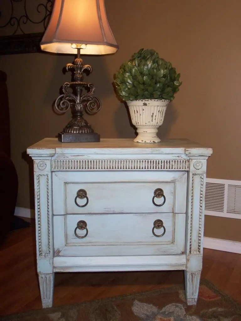 Adding a Patina to Furniture with Glaze / HomeStagingBloomingtonIL