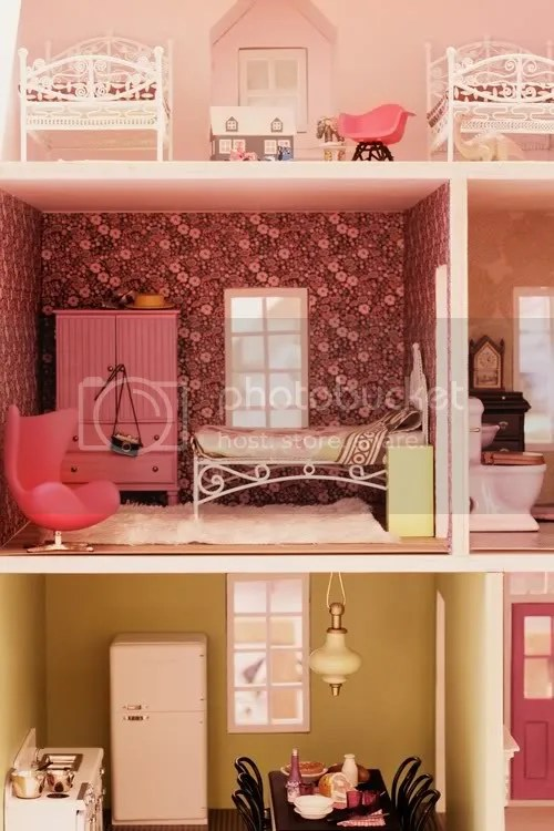 Lovely Dollhouses and Pretty Birds