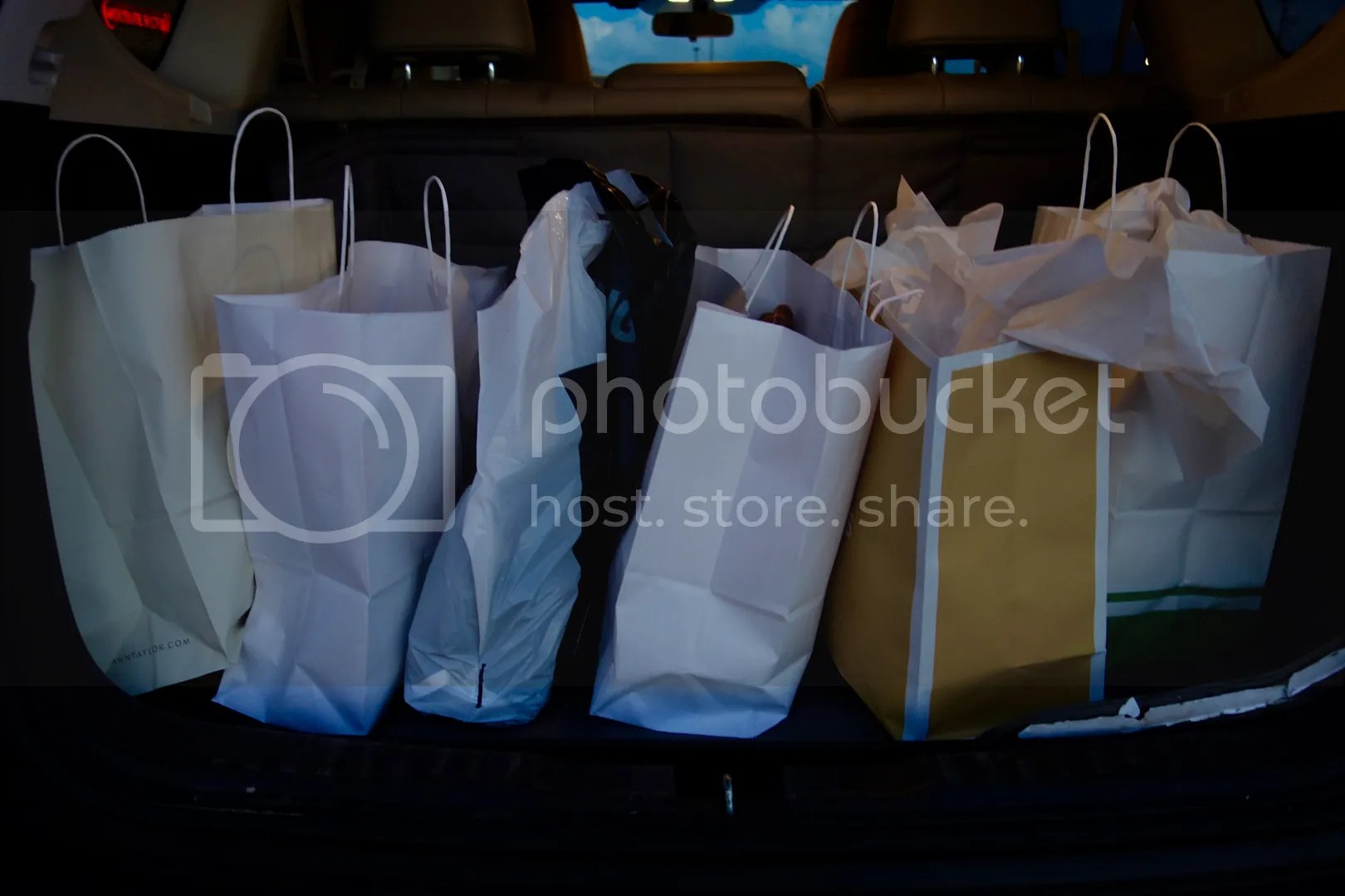 photo Birch Run Shopping_zpskoodtwzv.jpg