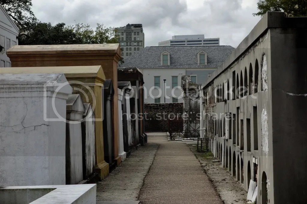 photo New Orleans Saint Louis Cemetary 11_zpsylwycxgd.jpg