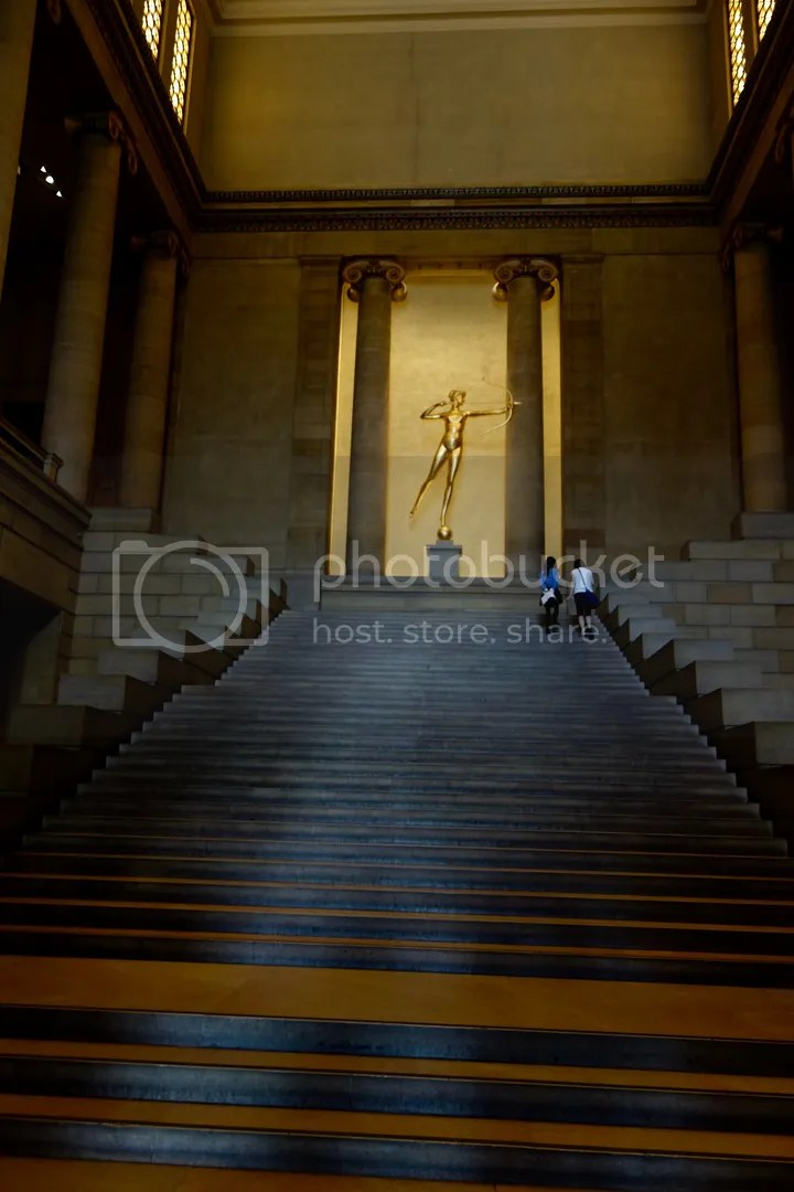 photo Philadelphia Museum of Art Main Staircase_zpslgilridr.jpg