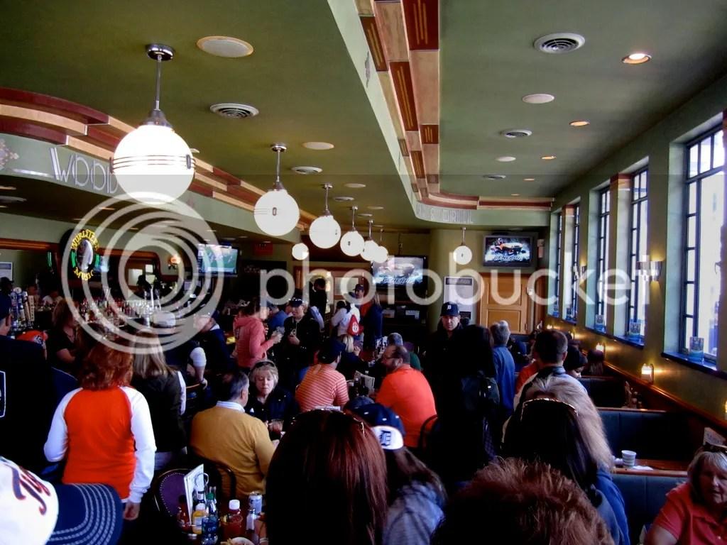 photo Inside The Elwood Detroit_zpscnoy9od7.jpg