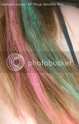photo Scunci-Hair-Chalk-Kit-Pink-and-Green-01_zpsf1ce3363.jpg