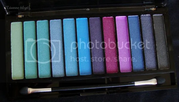 Makeup Revolution Mermaids vs. Unicorns palette, close-up