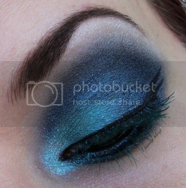 Turquoise lashes5 by Lisanne blogt