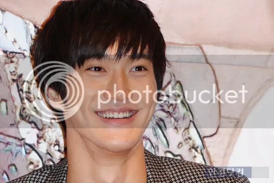 photo choi_si_won_zps9118d696.jpg