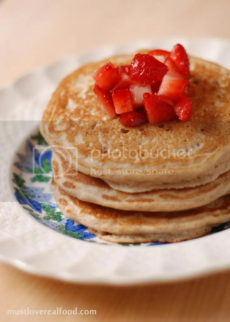photo pancakes_zps7340e1f0.jpg