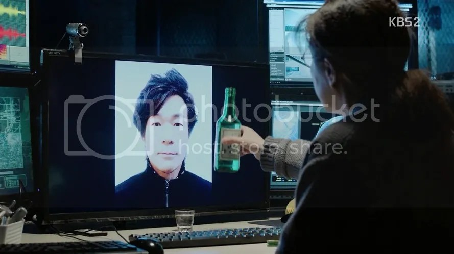 Healer ep 14 Ahjumma toasts teacher