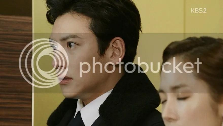 Episode 10 Healer Park Bong Soo looking shocked