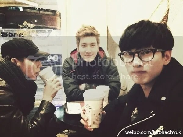 photo eunhyukweibo_zpsbb6b9e38.jpg