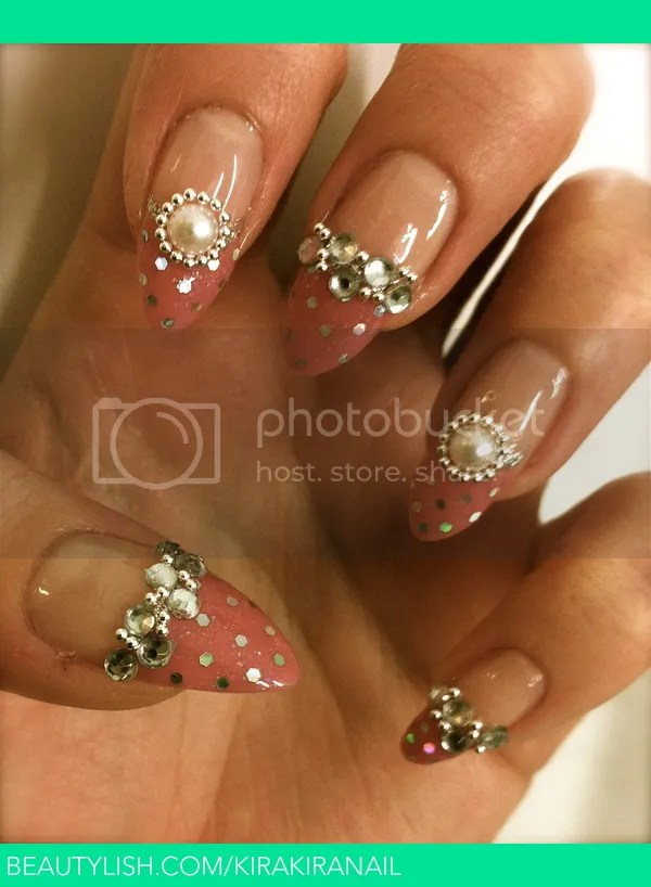 photo pink-french-tip-gyaru-nails_zps6e3fb7d7.jpg
