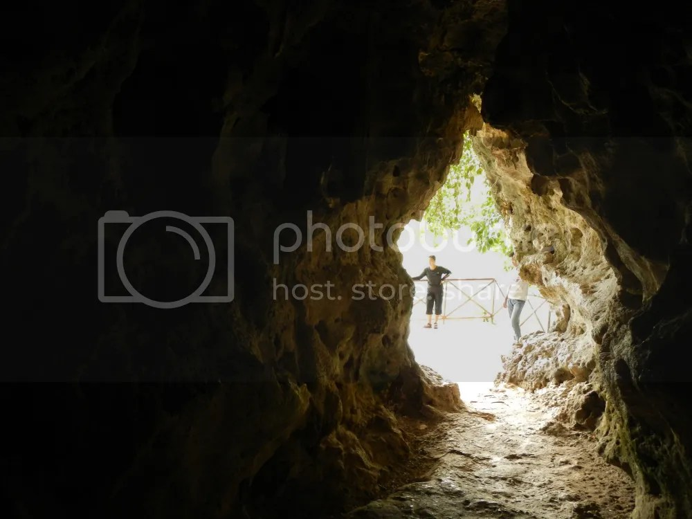 Makahambus Cave