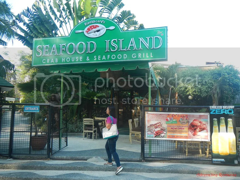 Blackbirds Seafood Island Crab House and Seafood Grill