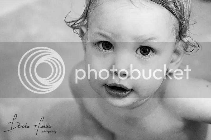dziecko, portret dziecka, fotografia dziecięca, fotografia dziecięca warszawa, kąpiel