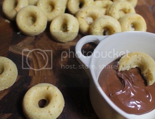 photo Baked Cinnamon Doughnuts 15_zpsr20jyy93.jpg
