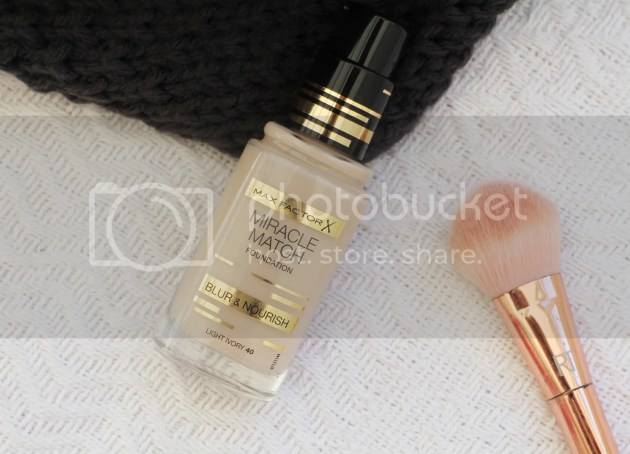 photo Max Factor Miracle Match Foundation Review 3_zpsfjyiimqt.jpg