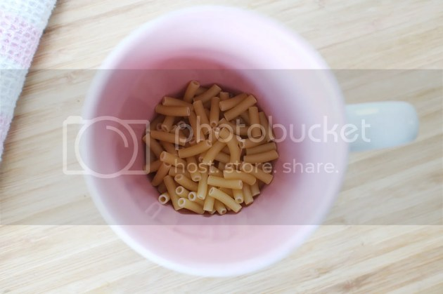 photo Microwave Mac and Cheese in a Mug 1_zpskuianp4j.jpg
