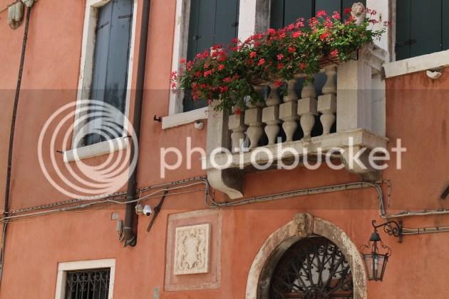 photo Wandering in Venice 5_zpso0mzj4pk.jpg