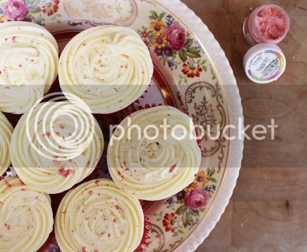 photo Vanilla Cupcakes 1_zps73c5kpat.jpg