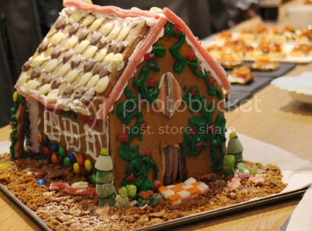 photo Gingerbread House BakeOff 5_zpsafdd0i4x.jpg