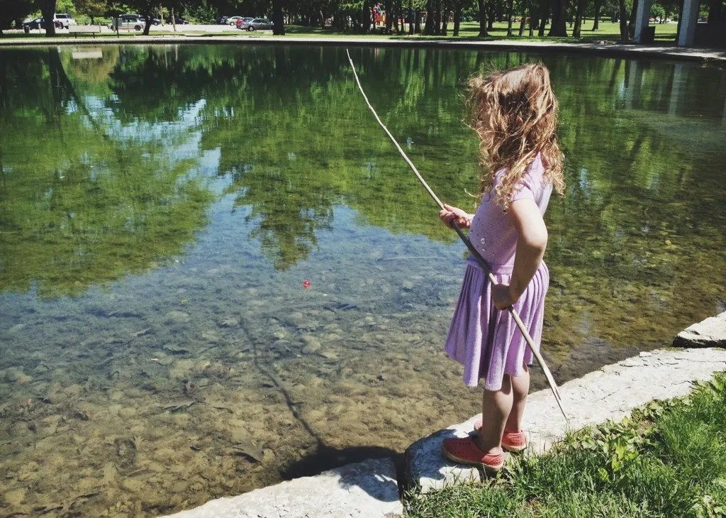 darla fishing pole