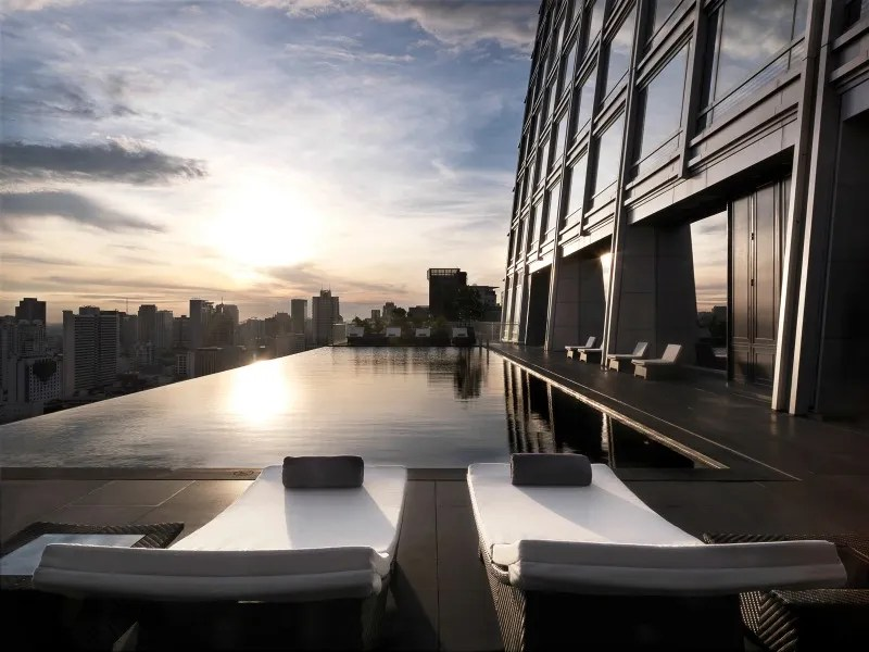 photo Rooftop_pools_Bangkok_Okura_zps6tvbfj48.jpg