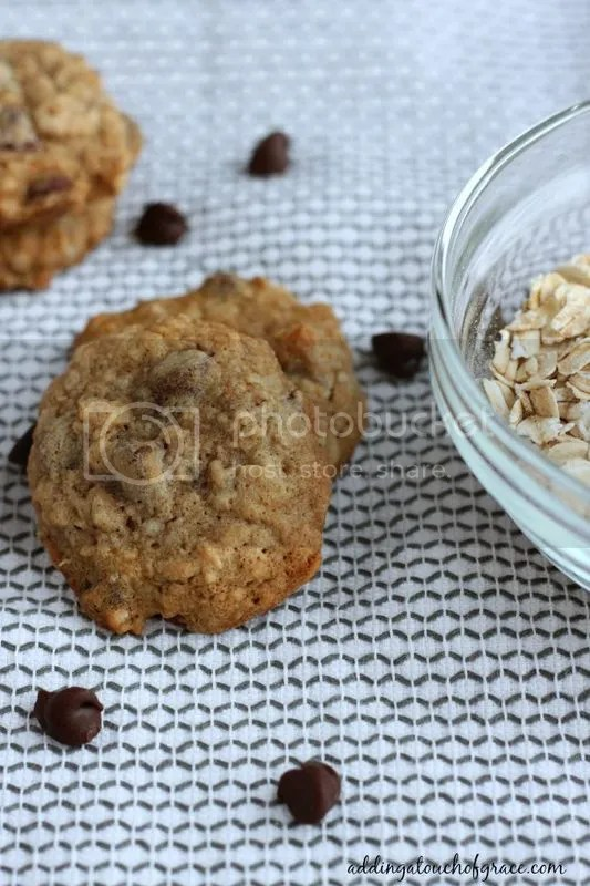 Amazing oatmeal chocolate chip cookies