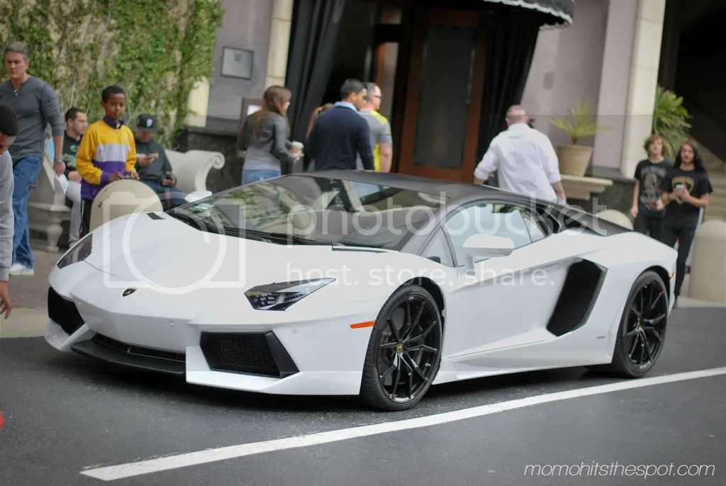 photo aventador_zps3ommgqeu.jpg