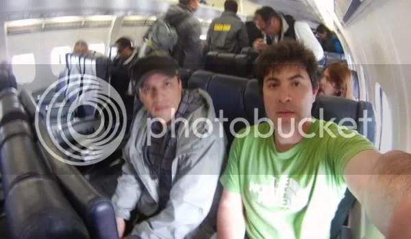 Con Mauricio Valencia volando a la Antártica.