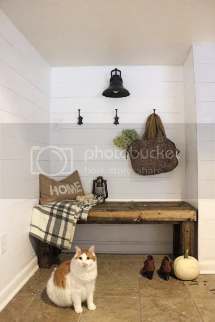 photo mudroom6_zpslt8nmrwx.jpg