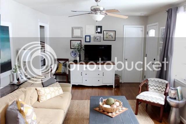 photo livingroomcoffeetable6_zpszt0lho77.jpg