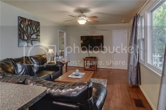 photo 3-LivingRoom3_zpskldy1ivx.jpg