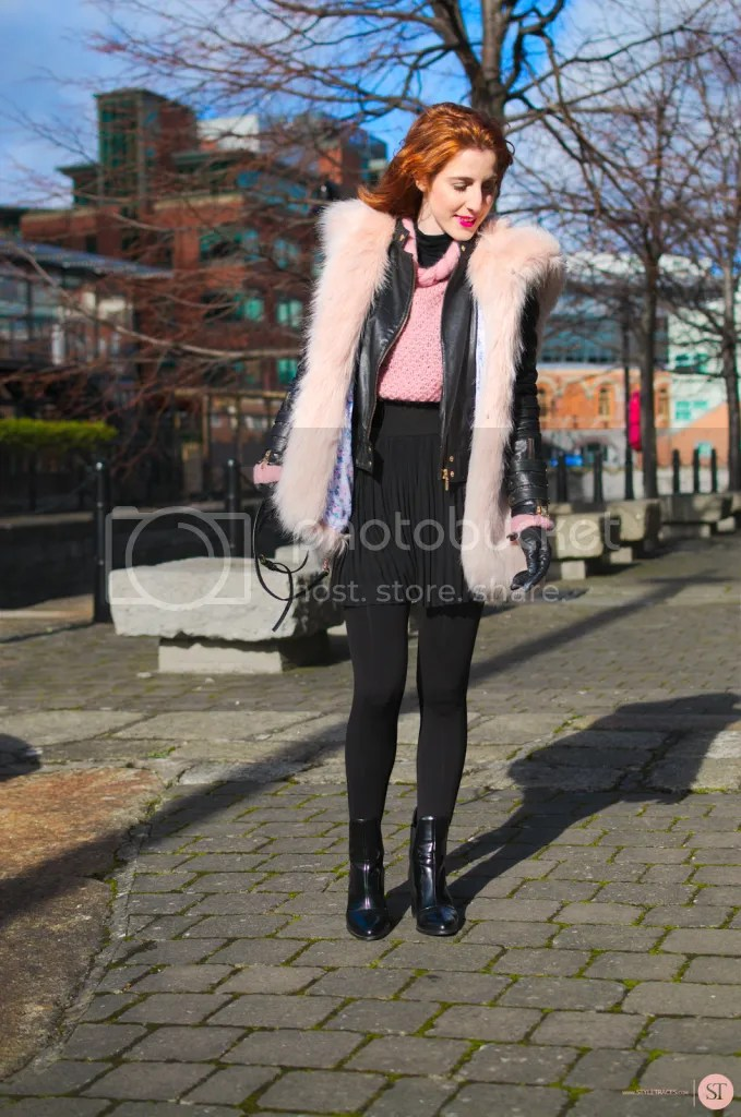 photo STYLETRACES-PINK AND PLEATED WINTER VERSION-fashion blogger_red head_street style_look do dia_outfit of the day_ootd_dublin__zpso6taqlae.png