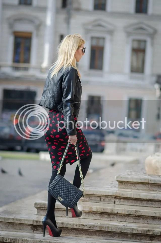 photo the-rubber-doll-famous-fashion-blogger-2015-ootd-red-lips-skirt-street-fashion-inspiration-blonde-img-10_zpsvjmv4kdh.jpg