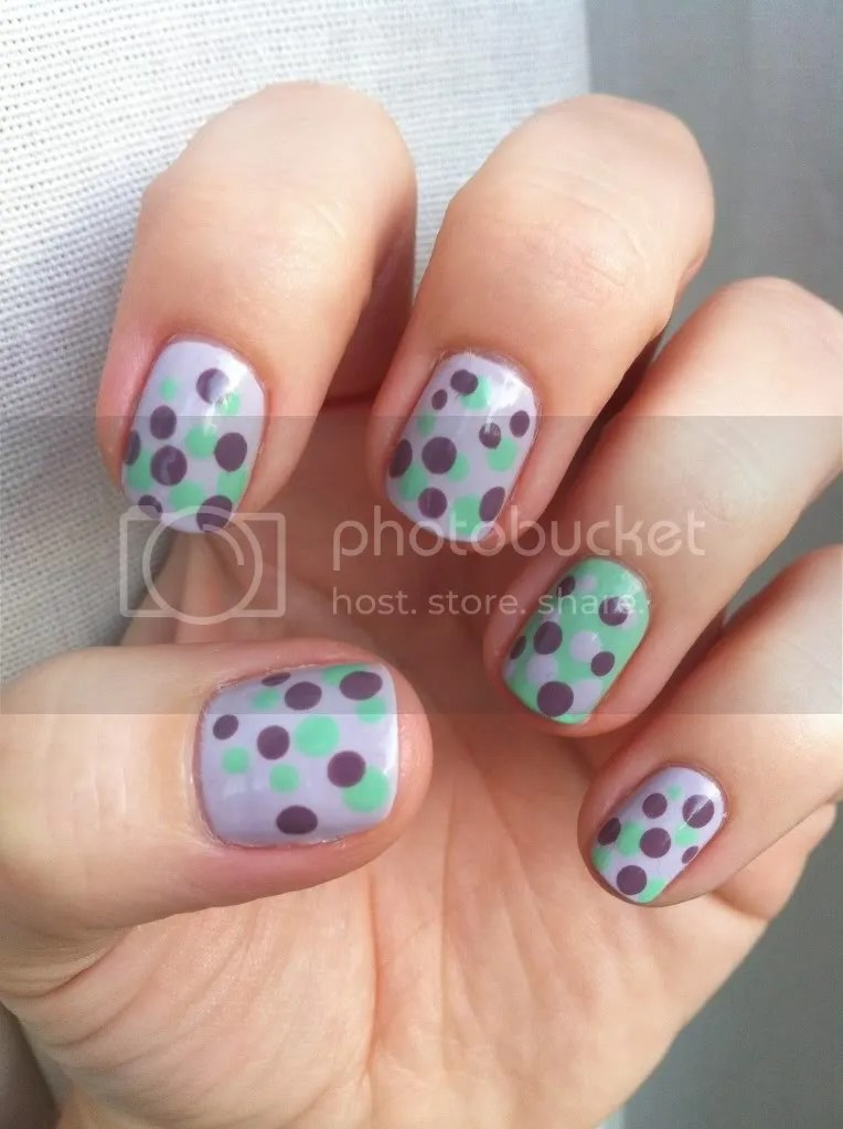 green and purple dots