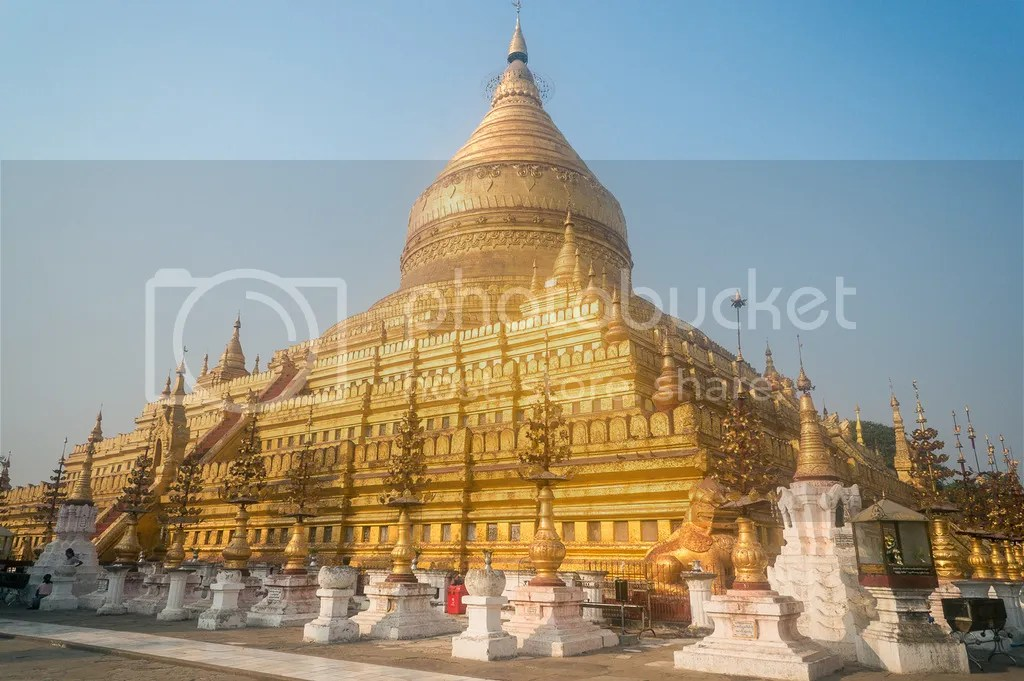 shwezigon pagoda in bagan myanmar