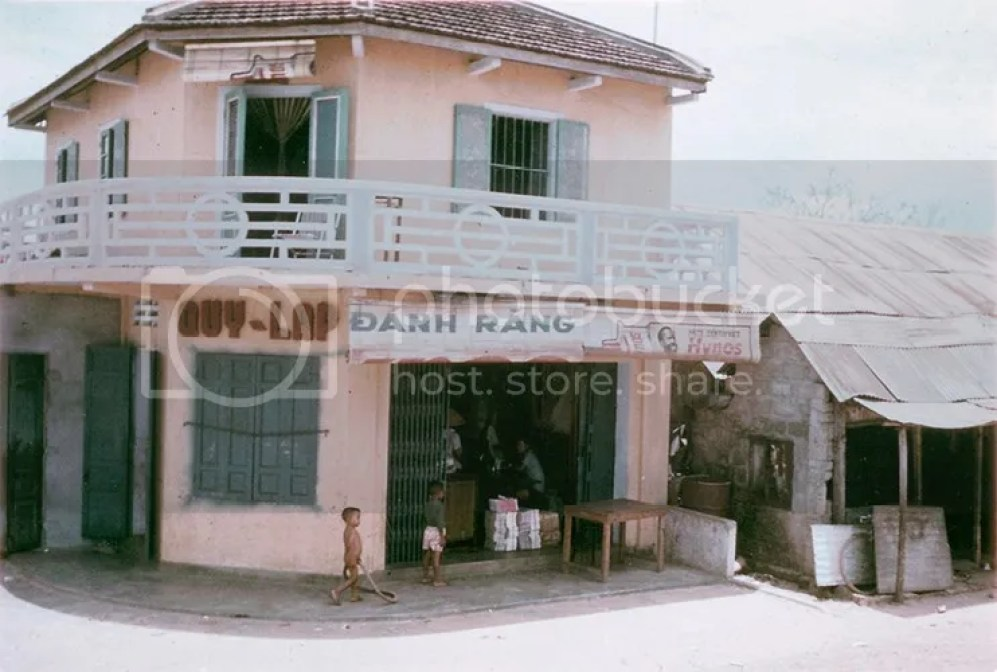 photo khoanh-khac-kho-quen-ve-quang-tri-nam-1967-hinh-4_zpsenptkp6s.jpg