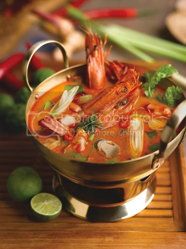 Parathai Tom Yum Soup with Sea Prawns