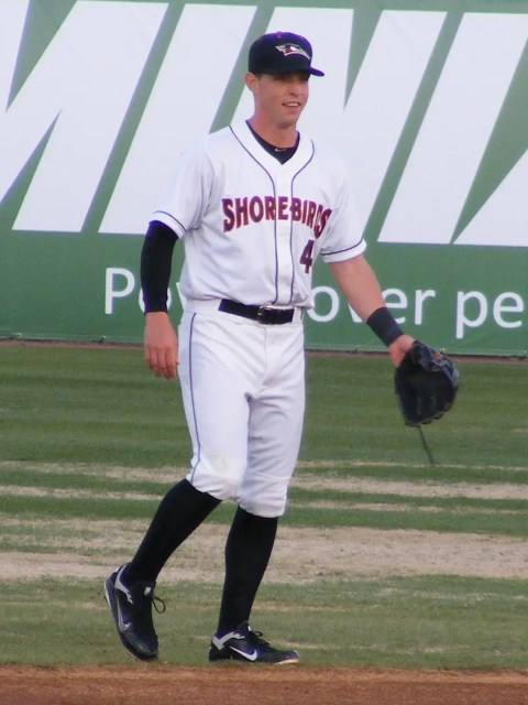 Jeff Kemp awaits a throw in a Shorebirds exhibition against SU.