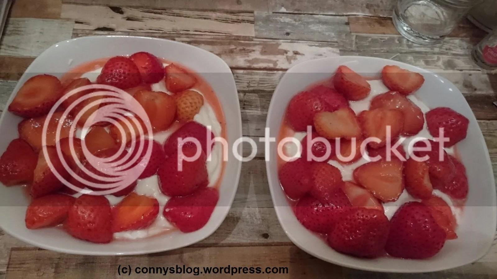 Erdbeeren mit Joghurt - connys low carb photo Erdbeeren mit Joghurt_zpsayqwhw4a.jpeg