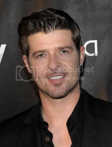 photo Robin-Thicke-2014-Neighborhood-Awards-Steve-Harvey-the-industry-cosign_zpsbf9ce13b.jpg