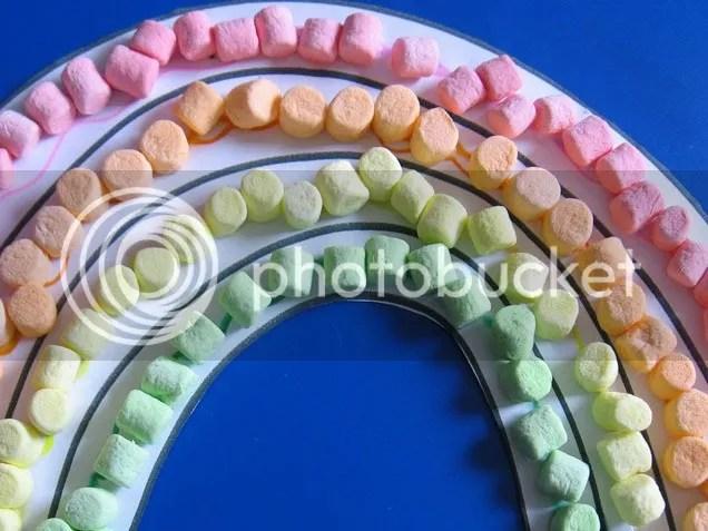 photo marshmallow-rainbow-477_0-1_zpsgoms7199.jpeg