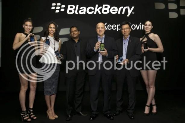 photo BlackBerryZ30_4_zpsecfc9b96.jpg