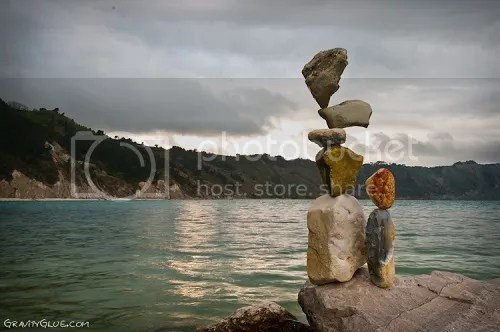 photo MichaelGrab-gravity-defyingrocksculptures1_zps00764ba9.jpeg